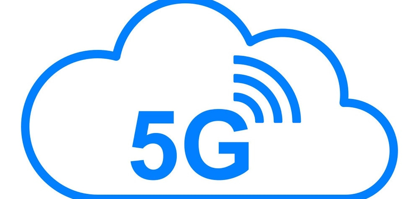 5g wireless and cloud vector 24175380
